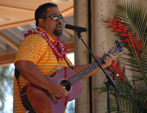 Picture of Del Beazley at the 2008 Hawaii Ukulele Festival
