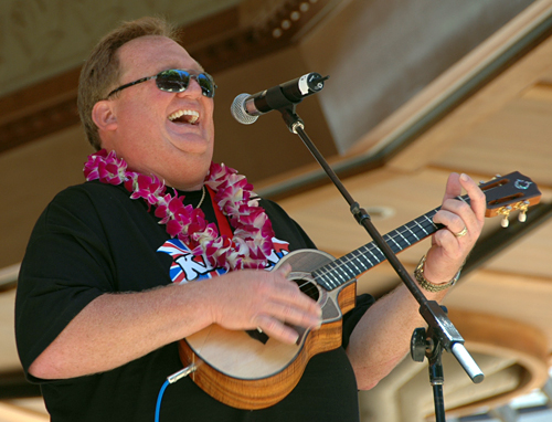 Picture of Kelly Boy Delima at the 2008 Hawaii Ukulele Festival
