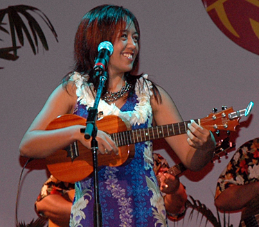 Raiatea Helm at the 2006 Oahu Falsetto Contest